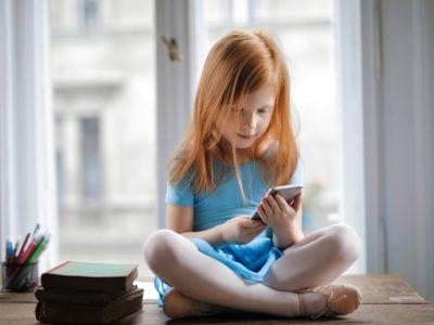 χρόνο Παιδί και οθόνες featured